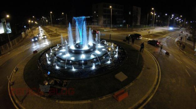 Oblaganje betonskih fontana armiranim poliesterom – Fontana Zenica
